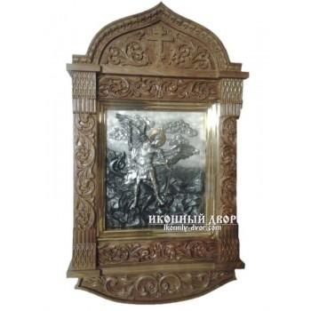 Архангел Михаїл - гідна ікона з сріблом, в дубовому різьбленому кіоті (ЮО-04/1)