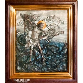 Архістратиг Михаїл - шикарна ікона з сріблом, дубовий кіот (ЮО-04)