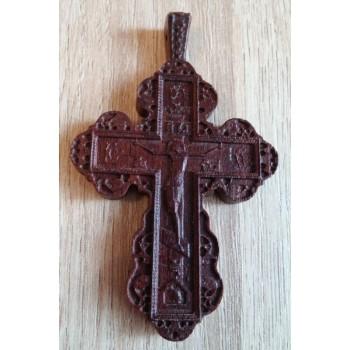 Крест из красного дерева нательный