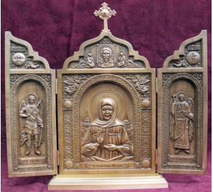 Складаний деревяний з акуратною різьбленням Свята Матрона (ск-09)